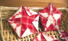Country stars - Take two fabrics in contrasting colors. Put them right sides together and draw a pentagon on lighter fabric. draw a smaller pentagon on the top of your fabric fold the corners along the lines and stitch them. Folded Fabric Ornaments, Quilted Christmas Ornaments, Christmas Sewing, Noel Christmas, Christmas Fabric, Christmas Decorations, Star Decorations, Christmas Projects, Holiday Crafts