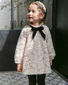 Very last vintage cream dress - Kindermode Little Girl Outfits, Little Girl Fashion, Little Dresses, Little Girl Dresses, Toddler Fashion, Fashion Kids, Girls Dresses, Outfits Niños, Kind Mode