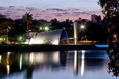 Mineiro que é Mineiro adora ir à Lagoa da Pampulha, nem que seja para dar uma caminhadinha, tomar água de coco ou nos dias de hoje tirar uma Selfie. A Lagoa é uma das paisagens mais fotogênicas de …