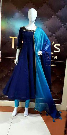 Party Wear Indian Dresses, Indian Gowns Dresses, Indian Fashion Dresses, Dress Indian Style, Indian Designer Outfits, Pakistani Dresses, Indian Outfits, Bridal Dresses, Designer Salwar Kameez
