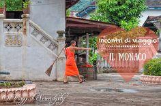 Viaggiamo per incontrare l'altro, per parlare e comunicare. A Luang Prabang ci si avvicina un monaco, che inizia a raccontarci la sua storia.