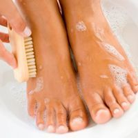 53 ideas for diy pedicure soak toenails dead skin Pedicure Soak, Pedicure At Home, French Pedicure, Manicure And Pedicure, Wedding Manicure, Pedicures, Nail Fungus, Foot Remedies, Diy Pedicure