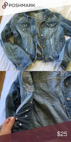 American Eagle denim jacket Light destroy wash American Eagle Outfitters Jackets & Coats Jean Jackets