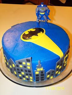 Homemade Batman Cake Ideas That Look Great - Novelty Birthday Cakes