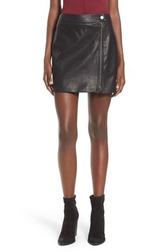 Loving leather for fall and this chic skirt is no exception! Definitely scooping up this edgy piece from the Anniversary Sale to pair with a trendy bodysuit and booties.