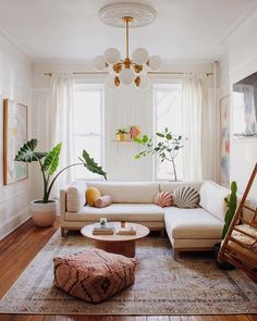 Colorful Bohemian Modern Brooklyn Apartment + How To Get The Look bohemian living room decor Colorful Bohemian Modern Brooklyn Apartment + How To Get The Look — Living Room Mirrors, Boho Living Room, Living Room Sets, Interior Design Living Room, Home And Living, Living Room Designs, Modern Living, Boho Room, Small Living