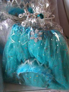 Frozen Princess Party Favors Ideas. Shop www.myprincesspartytogo.com #princesspartyideas