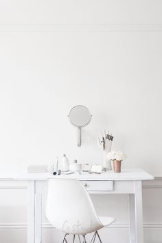 < be authentic > white studio / white home office / all white decor Home Office Design, Home Office Decor, Home Decor, Office Ideas, Workspace Inspiration, Room Inspiration, Diy Interior, Interior Design, Minimalist Interior