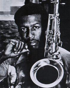 Billy Harper es un saxofonista de jazz nacido en Texas, USA, el 17 de enero de 1943. Pertenece a la generación de saxofonistas tenores altamente influenciados por John Coltrane, caracterizados más por construir sobre la obra del maestro que simplemente  por copiar lo que aquel ya hizo.