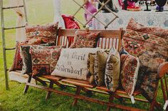 Vintage Bazaar - pillows made from old rugs? Looks Vintage, Outdoor Furniture, Outdoor Decor, Throw Pillows, Rugs, Bed, Projects, Crafts, Tutorials