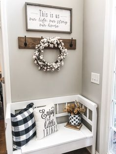 The best cheap decorating trick there is! How to transition your decor without breaking the bank! I'm going to share the best cheap decorating trick there is and how I transitioned 2 spots in my home using this trick by shopping my own home! Modern Farmhouse Decor, Rustic Decor, Rustic Wood, Country Decor, Antique Farmhouse, Farmhouse Ideas, Cheap Home Decor, Diy Home Decor, Home Decoracion