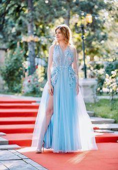 CRISTALLINI #EveningDress #Inspiration #Fashion #Designer #Style #Glamour #Girls #Luxury #Gowns #LuxuryStyle #Elegance #Love #CelebrityStyle #StyleInspiration #Party #HighFashion #Fairytale #RomanianDesigner High Fashion, Luxury Fashion, Womens Fashion, Evening Dresses, Formal Dresses, Fairytale, Special Occasion, Celebrity Style, Fashion Dresses