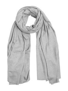 Duża jednokolorowa chusta z miękkiej, przyjemnej mieszanki wiskozy. Ta duża, cienka chusta idealnie pasuje do jesiennego płaszcza. – Wymiary: 210x120 cm