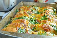 Crescent Roll Breakfast Bake is filled with cheese, bacon, and spinach. What more could you want? from @foodfanatical