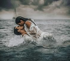 A Spanish Photographer Captures Passion of People in the Water, and We're Mesmerized Rain on me. A Spanish Photographer Captures Passion of People in the Water, and We're Mesmerized Couples Beach Photography, Passion Photography, Romantic Photography, Underwater Photography, Cute Couples Goals, Couples In Love, Romantic Couples, Photo Couple, Couple Shoot