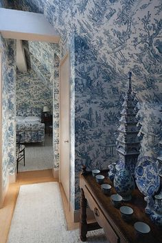 @siobhancarreen And you thought I used too much blue. Or toile? Or blue toile?