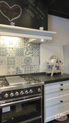 Wit gelakte landelijke keuken Brink Kitchens, Kitchen Cabinets, Home Decor, Home, Decoration Home, Room Decor, Cabinets, Kitchen, Cuisine