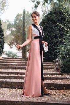 Vestido largo de invitada boda color rosa con escote espalda y Vestidos Zara, Party Mode, Bridesmaid Dresses, Prom Dresses, Elegant Outfit, Party Fashion, Cute Dresses, Evening Dresses, Fashion Beauty