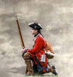british-soldier-kneeling-randy-steele.jpg (858×900)