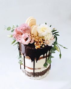 13 dirty frosted tall wedding cake with dark chocolate drip, macarons and ivory flowers - Weddingomania Gorgeous Cakes, Pretty Cakes, Amazing Cakes, Fancy Cakes, Mini Cakes, Cupcake Cakes, Chocolate Drip, Chocolate Brownies, White Chocolate