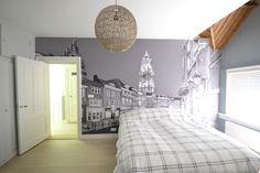 Heb je een kleine slaapkamer? Creëer ruimte door behang met diepte te plaatsen. Kies een leuke (zelf gemaakte) foto en neem vrijblijvend contact op met #Arti2Wall. #interior #bedroom #wallpaper #walldesign #wall #decoration #behang #interieur #decoratie #printing #photo #architecture #city #design #slaapkamer #stad #ruimte #diepte