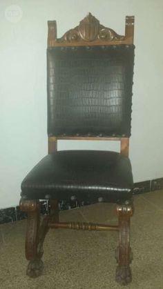 . Sillas de madera restauradas, tapizadas en polipiel grabada. Es un conjunto de 6 sillas, cada una 200 euros (se venden juntas). Se regala dos cuadros con el antiguo tapizado de piel.