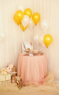 Pink and gold party. Great decor for gift table