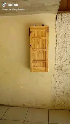 Home Room Design, Tiny House Design, Recycled Crafts, Wood Crafts, Outdoor Deck Decorating, Diy Stool, Pallet Wall Art, Diy Kitchen Storage, Diy Pallet Projects