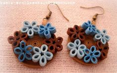 Paper quilling jewelry is quite popular these days. You can easily make beautiful paper quilling earrings with this craft form. Paper Quilling Earrings, Quilling Work, Paper Quilling Flowers, Paper Jewelry, Paper Beads, Jewelry Crafts, Quilling Flower Designs, Quilling Patterns, Quilling Ideas