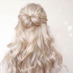 10 Most Popular Half Up Half Down Curly Hairstyles : Trendy Hairstyles For Women Down Curly Hairstyles, Pretty Hairstyles, 1940s Hairstyles, Hairstyles Videos, Hair Inspo, Hair Inspiration, Inspo Cheveux, Hair Looks, Hair Trends