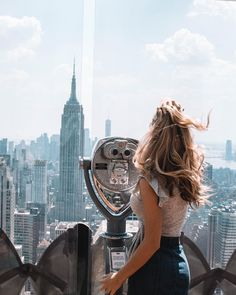 Top of the Rock observation deck, New York City, New York, USA New York Pictures, New York Photos, Tumblr New York, Foto Top, Voyage New York, Empire State Of Mind, Nyc Life, Rockefeller Center, City That Never Sleeps