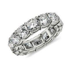 We've got a pretty good idea of what Sofia Vergara's massive wedding ring looks like - come see!
