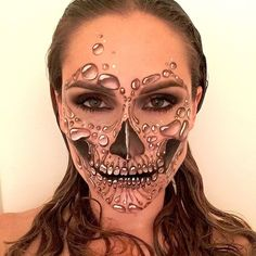 With a makeup look this intricate, you won't have to worry about what you're going to wear on the rest of your body at all. Simply throw on an all-black outfit and let the bubble skull makeup speak for itself.