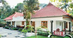 New farmhouse house plans farms ideas Kerala Traditional House, Traditional Style Homes, Traditional House Plans, Traditional Decor, Farmhouse Interior Doors, Farmhouse Architecture, Single Floor House Design, Kerala House Design, Kerala Houses