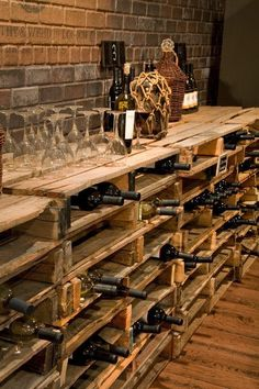 DIY. Design ideas for your home with pallets. Wine cellar-pallet-shelf for wine bottles.