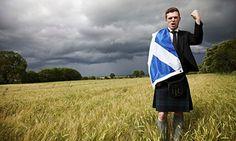 Лондон тражи разјашњења због Салмондове изјаве о другом шкотском референдуму  ВЛАДАЈУЋА британска Конзервативна партија затражила је разјашњења поводом намере Шкотске националне партије да одржи нови референдум о независности Шкотске. Министар за питања Шк