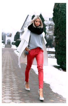 Red Leather Trousers, Leather Trousers Outfit, Red Pants Outfit, Leggings Outfit Winter, Red Leggings, Trouser Outfits, Leather Skirt, Smart Outfit, Fashion Pants