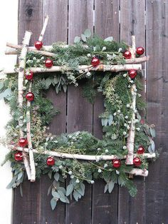Christmas wreath. Repinned by www.mygrowingtraditions.com