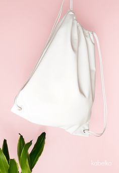 White Faux Leather Drawstring Bag-White Faux Leather Backpack-Tasche…