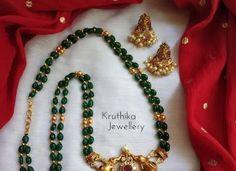Green Beads Lakshmi Devi Maala From Kruthika Kewellery Pearl Necklace Designs, Jewelry Design Earrings, Gold Jewellery Design, Jewelry Sets, Gold Jewelry, Beaded Jewelry, Jewelery, Beaded Necklace, Ruby Jewelry