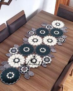 Crochet Placemats, Crochet Table Runner, Crochet Doilies, Boho Crochet Patterns, Crochet Mandala, Crochet Round, Free Crochet, Crochet Furniture, Crochet Home Decor
