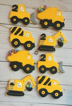These cookies are so cute for a Construction Birthday Party! Construction Cookies, Construction Theme, Car Cookies, Cookies For Kids, Tractor Cookies, 2nd Birthday Cake Boy, Birthday Cookies, Construction Birthday Parties, Digger Birthday Parties
