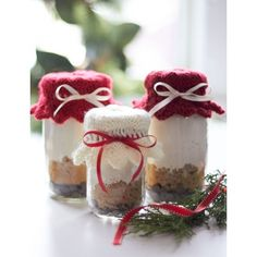 Gift Jar Toppers Free pattern from Yarnspirations.