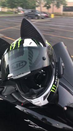 HJC Helmet with Cat Ears - Cat Ear Motorcycle Helmet Upgrades - Motorrad Motorcycle Helmet Brands, Racing Helmets, Motorcycle Design, F1 Racing, Drag Racing, R1 Moto, Moto Bike, Motorcycle Bike, Gif Motos