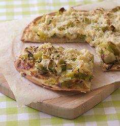 Flammenküche aux poireaux (tarte flambée alsacienne flammekueche) - Recettes de cuisine Ôdélices