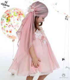 Φόρεμα Βάπτισης Chiffon Σάπιο Μήλο Mi Chiamo Κ4023-16662 https://www.paketovaptisi.gr/christening-packages-girl/christening-clothes-girl/sum-spri/product/2323-16662.html Βαπτιστικό φόρεμα από τη νέα collection της εταιρείας Mi Chiamo κατασκευασμένο από chiffon ύφασμα στο χρώμα του σάπιου μήλου με διακοσμητικά λουλούδια. Το σύνολο συνοδεύεται από καπέλο ή κορδέλα ή στέκα το οποίο συμπεριλαμβάνεται στην τιμή. Συνδυάζεται προαιρετικά με ασορτί ζακετάκι. #MiChiamo #φορεμα #βαπτιση #βαπτιστικα