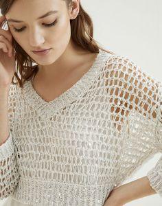 V-neck Sweater Ecru Woman 3 - Brunello Cucinelli Look Man, Crochet Coat, Summer Knitting, Workout Attire, Knit Fashion, Pullover, Brunello Cucinelli, Handmade Clothes, Pulls