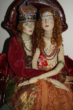 No info was given on these dolls, sonit sure of they're true vintage or repros, but either way I like their look! Boudoir, Redhead Art, Beautiful Dolls, Pretty Dolls, Dolly Mixture, Half Dolls, Vintage Paper Dolls, Doll Maker, Antique Toys