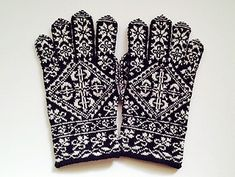 snoozeecow's Selbu museum gloves - Knitting Patternss Lace Gloves, Crochet Gloves, Knit Crochet, Mittens Pattern, Knit Mittens, Hand Knitting, Knitting Patterns, Gauntlet Gloves, Hand Warmers