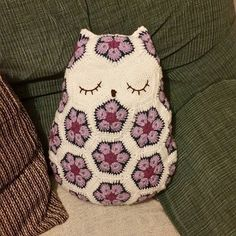 louizamakes #crochet owl cushion